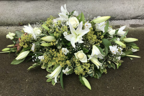 Funeral flowers Tramore Waterford spray florist tramore cerise flowers (5)